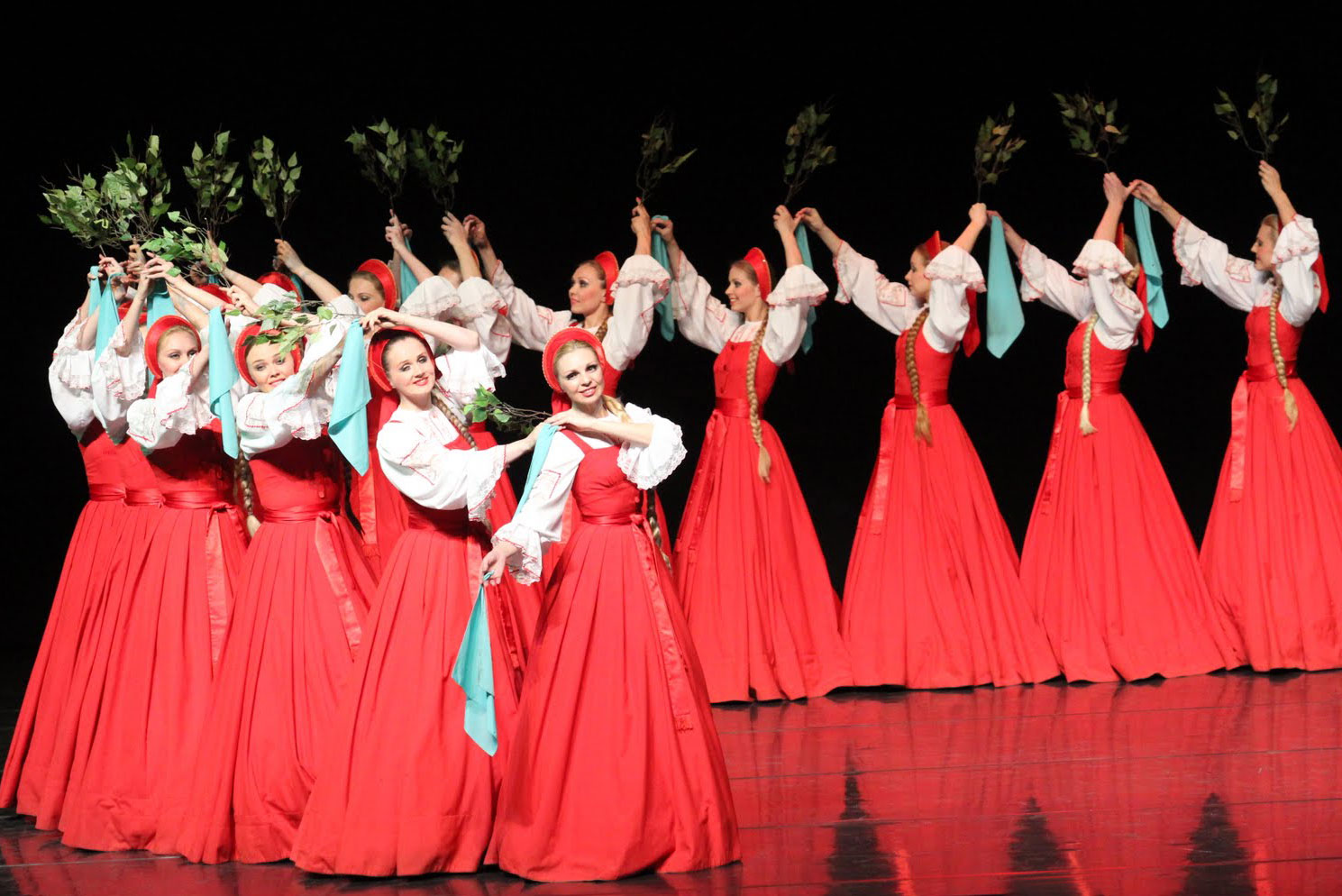 """Националният балет на Русия """"Берёзка"""" със спектакли в България"""
