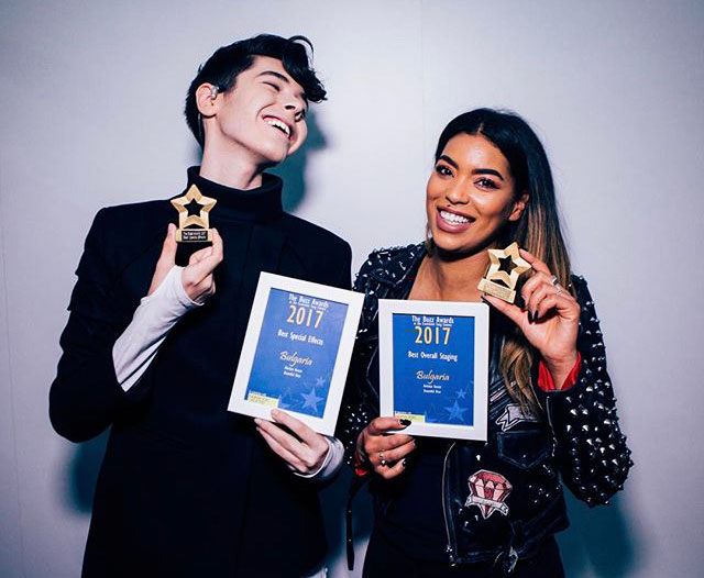 Kris-stage-awards-cut