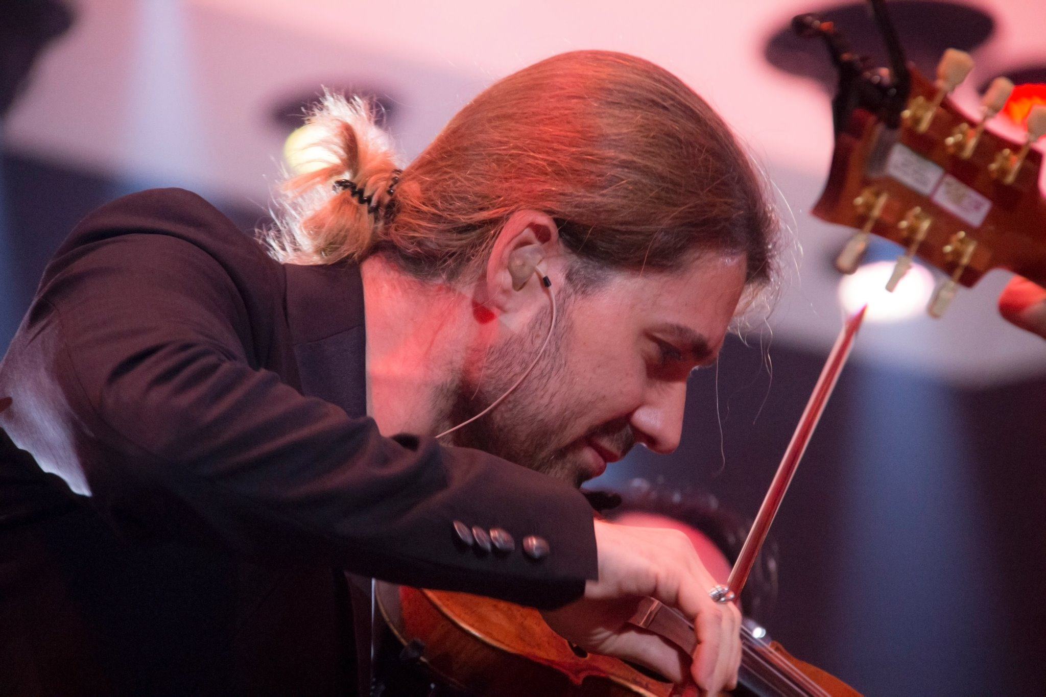 Първата спирка на звездния цигулар Дейвид Гарет след оздравяването му ще бъде България!