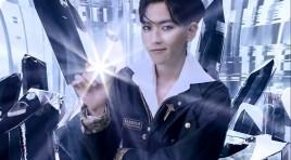 """Бекхьон от EXO и суперсилата му Светлина не само в концепцията на корейските """"извънземни"""" изпълнители  :)  , таро прочит на основната му енергия"""